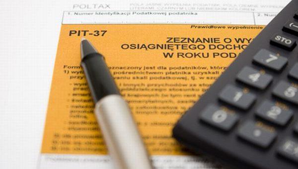 Urząd Skarbowy rozliczył PIT 2016 za Ciebie? Zamiast zwrotu podatku czeka Cię kontrola dokumentów.